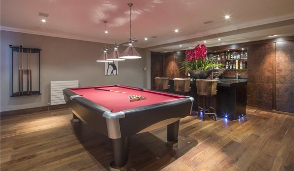 Top 10 ideas for a games room zoopla - Best game room ideas ...
