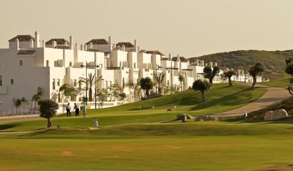 Properties near golf courses in Spain.