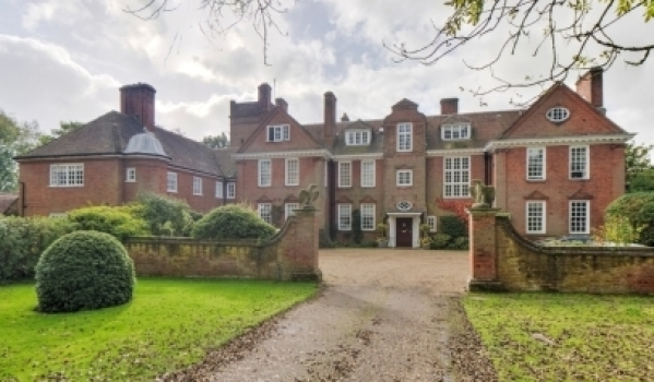 Live Like An Aristocrat In A Stately Home Primelocation