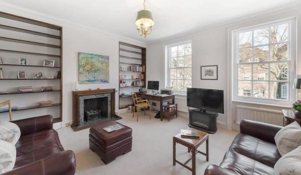 Informal Room At The Mansion In W14 Postcode