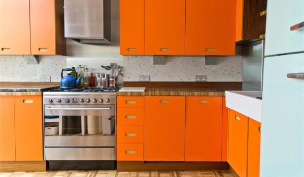 Top 10 colourful kitchen ideas zoopla for Kitchen ideas st johns woking