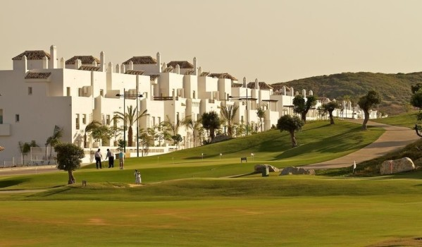 Properties near golf courses in Spain.