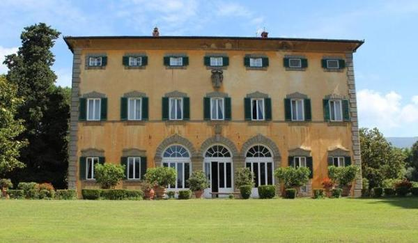 Mansion in Lucca, Tuscany.