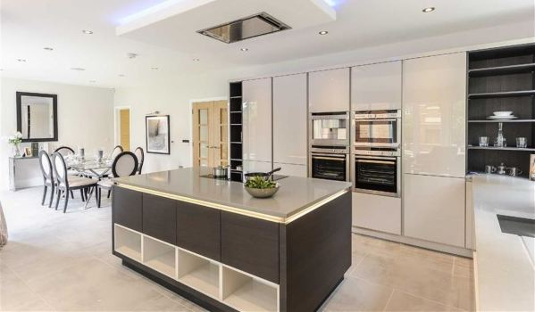 New-build home in Hadley Wood.