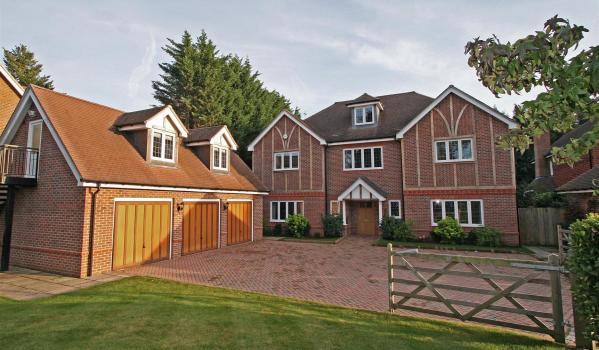 Detached house in Gerrards Cross