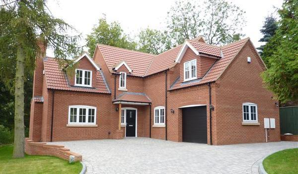 Detached house in Grimsby