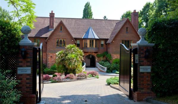 detached mansion in Oxshott
