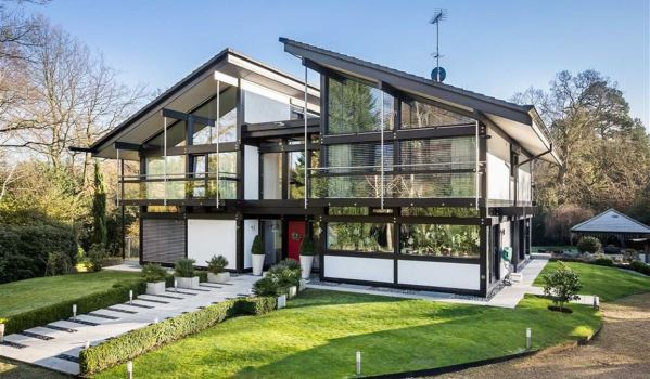 Ultra modern Huf Haus with lots of glass and metal beams