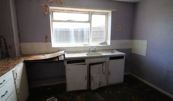 Decrepit kitchen needing a full refit