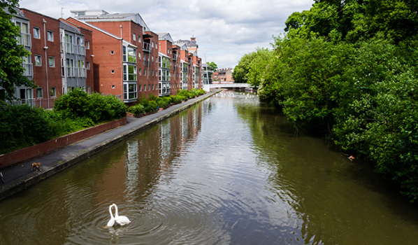 Waterside properties in Leicester