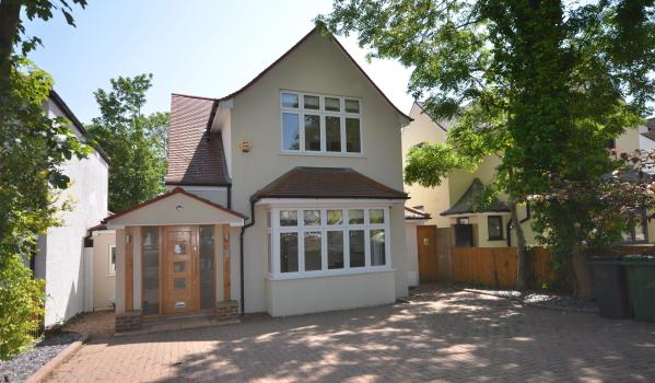 Detached house with large driveway in Wembley