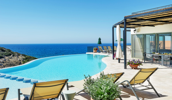 Spectacular views from the swimming pool.