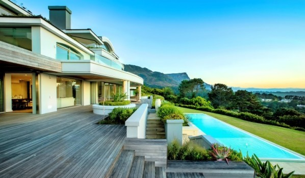 Economic uncertainty hits rents in global luxury hotspots for Modern house zoopla