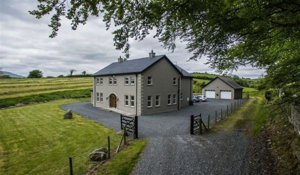 Secluded family home with stunning countryside views