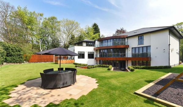 Three storey modern mansion with a large garden