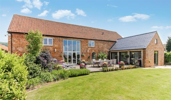 Idyllic barn conversion in the Cotswolds