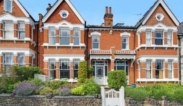 Edwardian terraced house in Muswell Hill