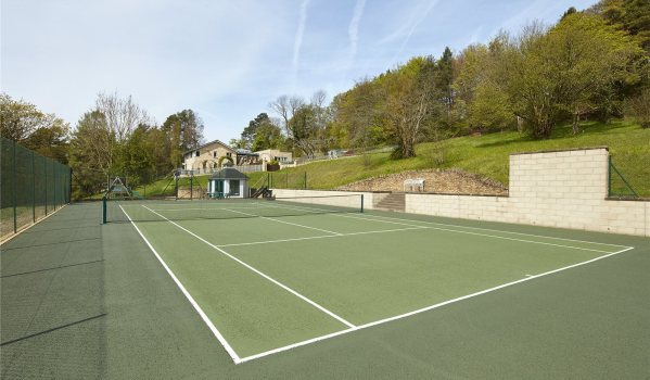 House in Cotswolds with it's own private tennis court