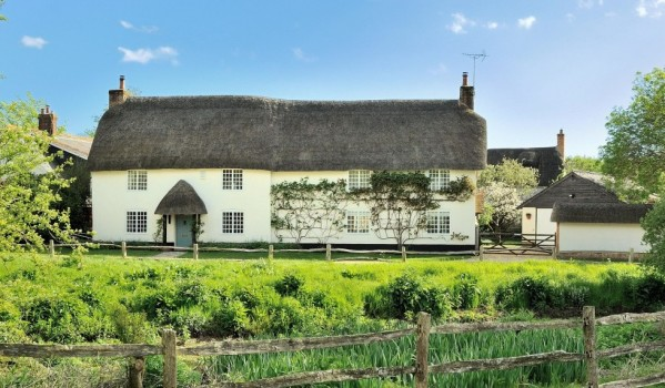 Traditional thatched cottage in the county of Dorset.