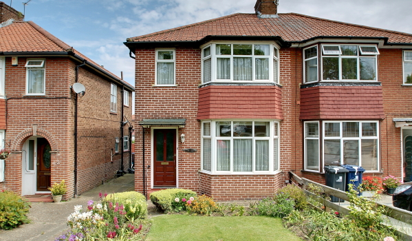 Semi-detached house in Greenford