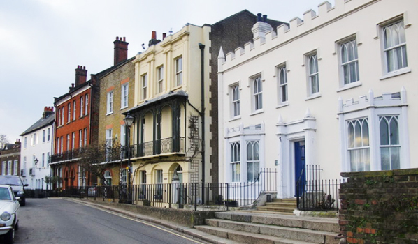 Georgian houses in Church Street by the riverside