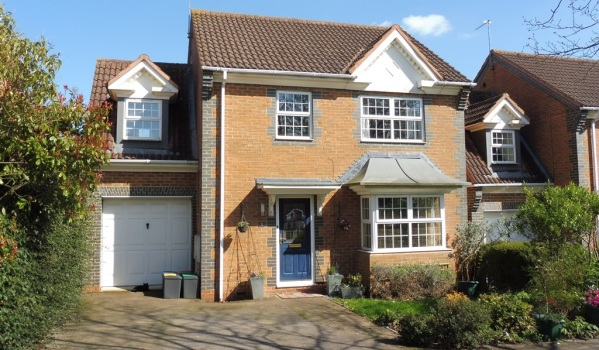 Detached house in Wootton, Northampton