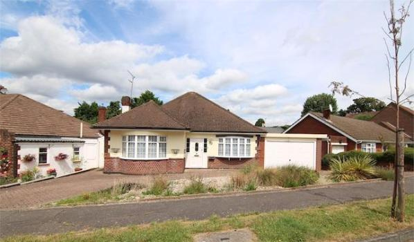 Detached bungalow in Woodford Green
