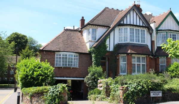 Semi-detached period house in Woodford Green