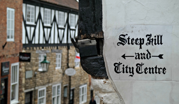 Steep Hill sign in Lincoln