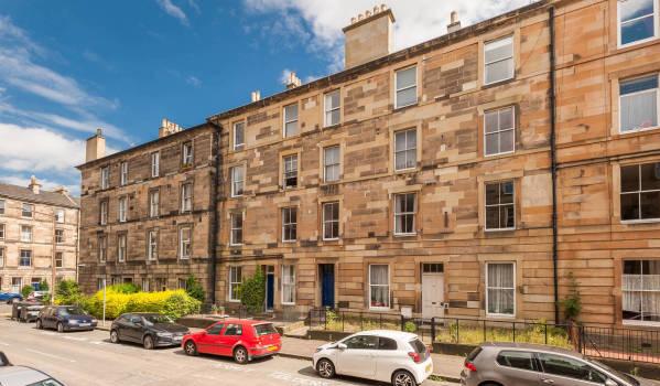 Flat for sale in Edinburgh.