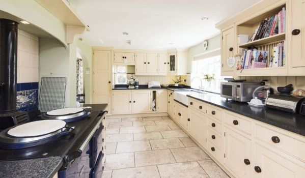 Modern but traditional farmhouse kitchen with Aga