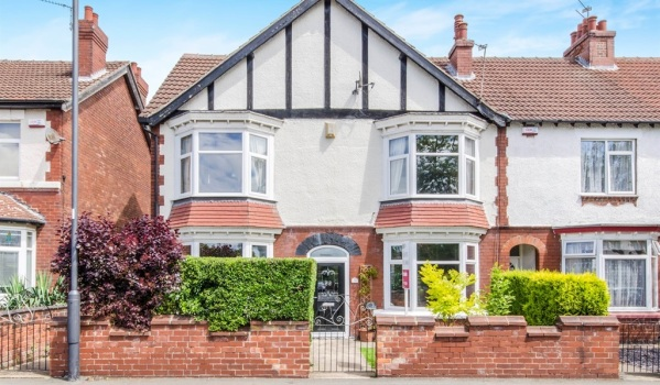 Double-fronted semi-detached house in Doncaster