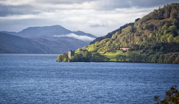 Urquhart castle in Loch Ness