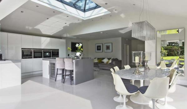 Modern kitchen and dinning area in a six-bedroom detached house in Coulsdon