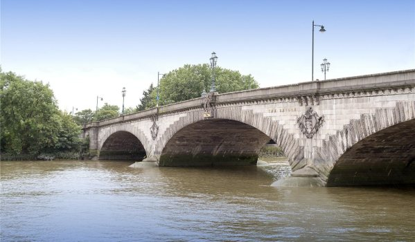 Kew Bridge over the River Thames