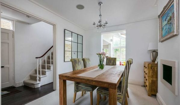 Inside the home to rent in Putney.