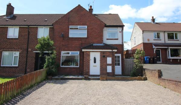 Semi-detached house in Wigan with a large driveway