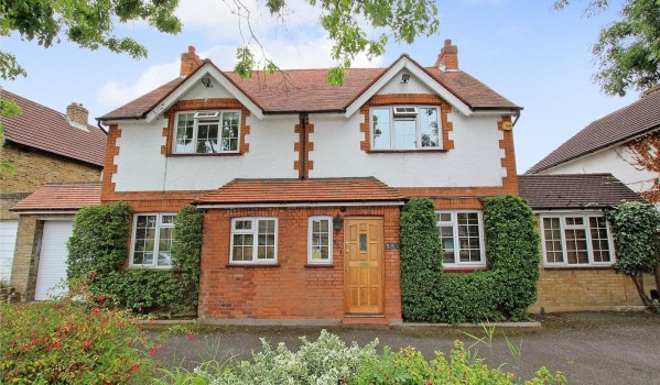 Detached house in West Drayton