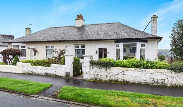 A bungalow for sale in Kilmarnock.