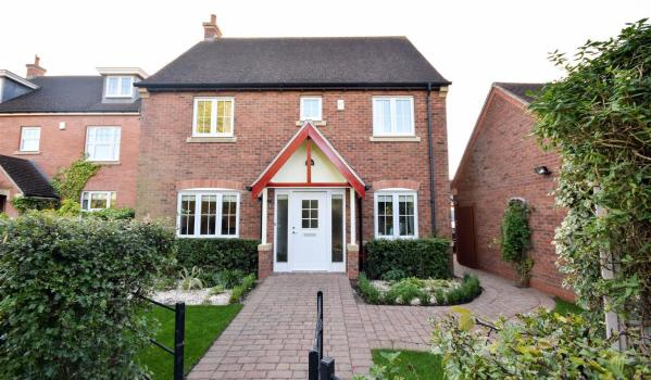 Modern detached house in Loughborough