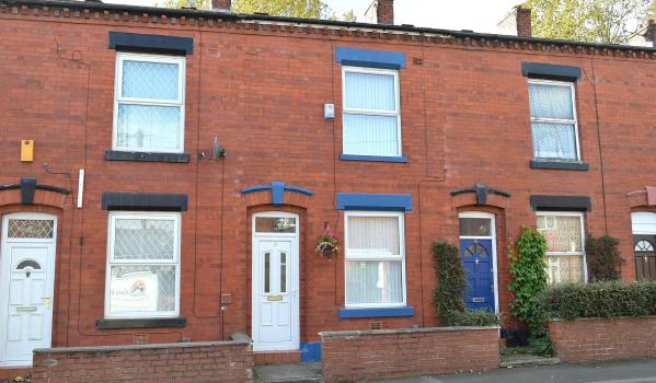 Victorian terraced house in Oldham