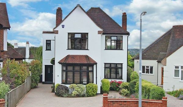 Detached house in Buckhurst Hill