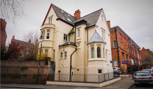 Flat for sale in Nottingham.