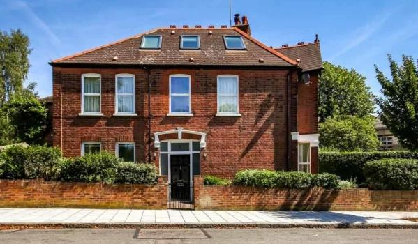 Detached Victorian house in Osterley