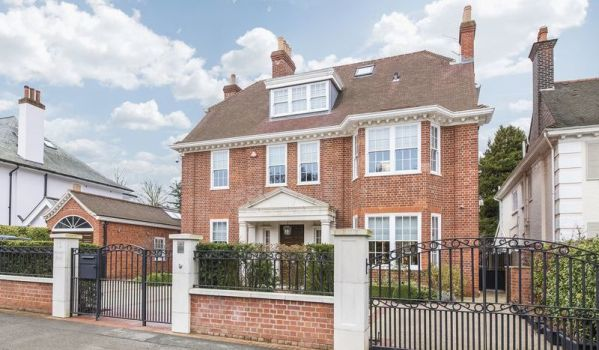 Luxurious mansion in Highgate