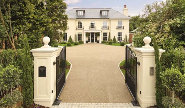 Newly-built mansion in Cheam