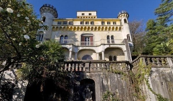 Castle facing Lake Maggiore in Italy