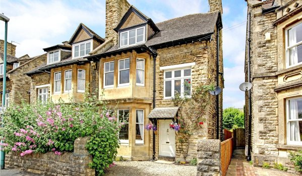 Semi-detached period house in Cirencester