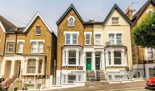 Flat in a Victorian terrace in Crystal Palace