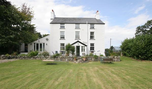 Detached house in North Wales